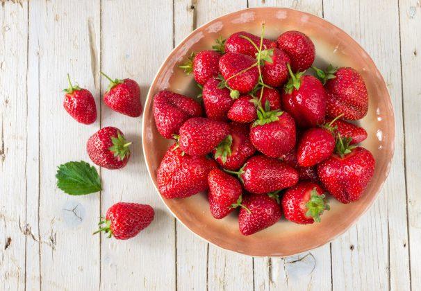 Aardbeien / rode bessen