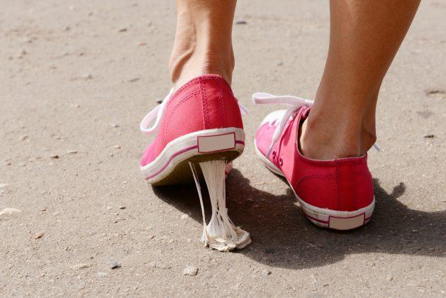 Kauwgom op de vloer