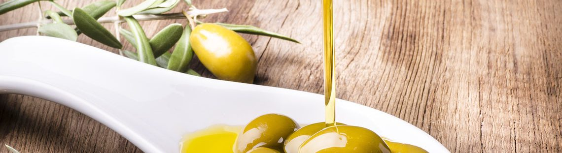 Daarom zet je olijfolie beter niet naast het fornuis